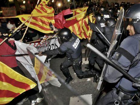 Manifestación reprimida por la policía en Barcelona, imágen habitual en la España de Zapatero; inexistente en Cuba revolucionaria