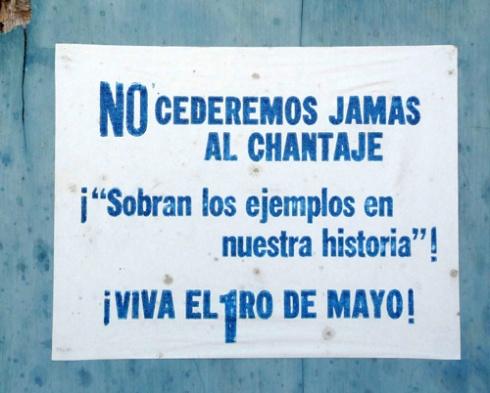 Cartel en la Ciudad de Holguín, Cuba (Foto: Paco Azanza Telletxiki)