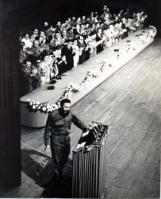 Fidel discursando en la presentación del primer Comité Central del Partido Comunista de Cuba, 3 de octubre de 1963