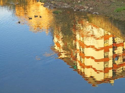 Reflejos en el río Oria / Homenaje a mi madre, 2015 (Foto: Paco Azanza Telletxiki)