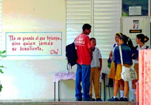 ESBU, Lidia Doce, Ciudad de Holguín, Cuba, 2011 (Foto: Paco Azanza Telletxiki)