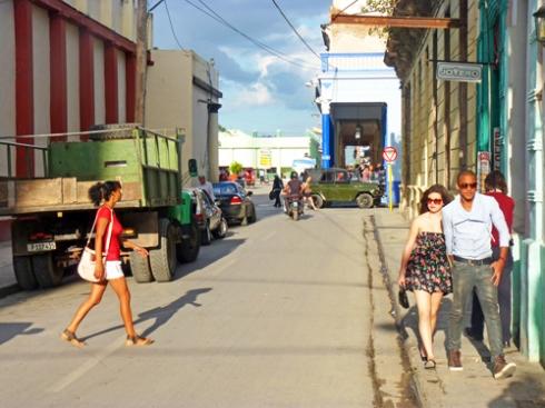 Calle José Martí, Ciudad de Holguín, Cuba (12), 2015 (Foto: Paco Azanza Telletxiki)