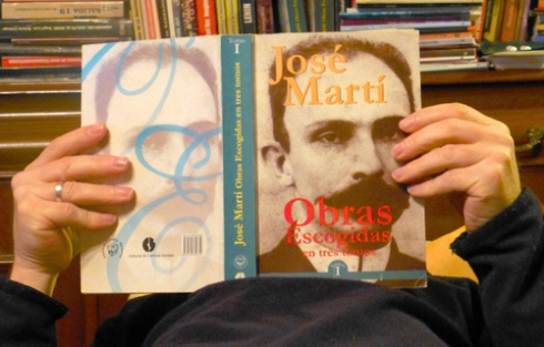 Leyendo a José Martí, 2013 (Foto: Paco Azanza Telletxiki)