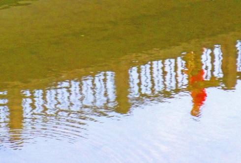 Paseante reflejado en el río, 2012 (Foto: Paco Azanza Telletxiki)