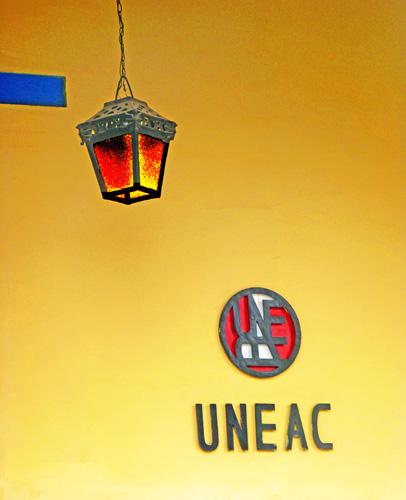 Sede holguinera de la Unión Nacional de Escritores y Artistas de Cuba, 2015 (Foto: Paco Azanza Telletxiki)
