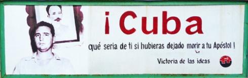 Avenida XX Aniversario, Ciudad de Holguín, Cuba (), 2011 (Foto: Paco Azanza Telletxiki)