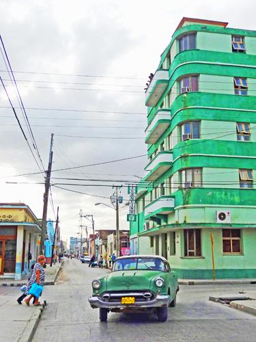 Calle José Martí, Ciudad de Holguín, Cuba, 2011 (Foto: Paco Azanza Telletxiki)